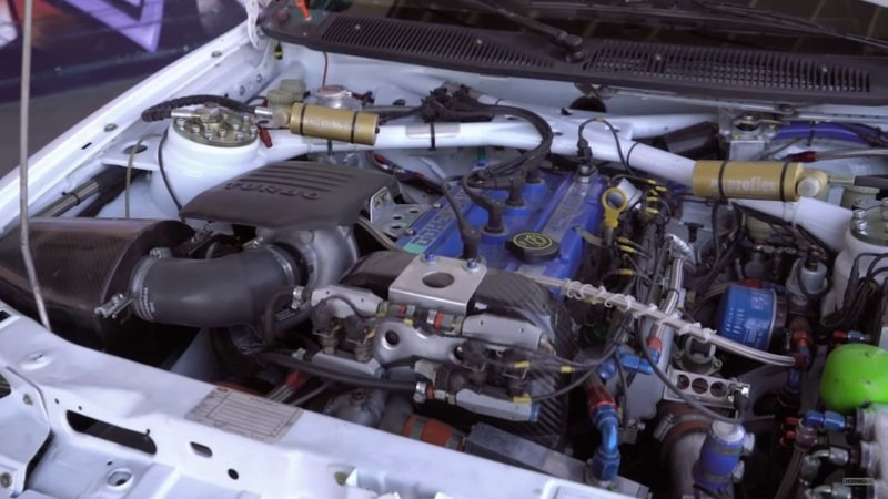 Ken Block And The Hoonigans Play With An Escort Cosworth Rally Racer: Video Drivetrain - image 737899
