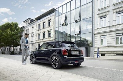 2017 Mini Cooper Blackfriars Edition - image 737846