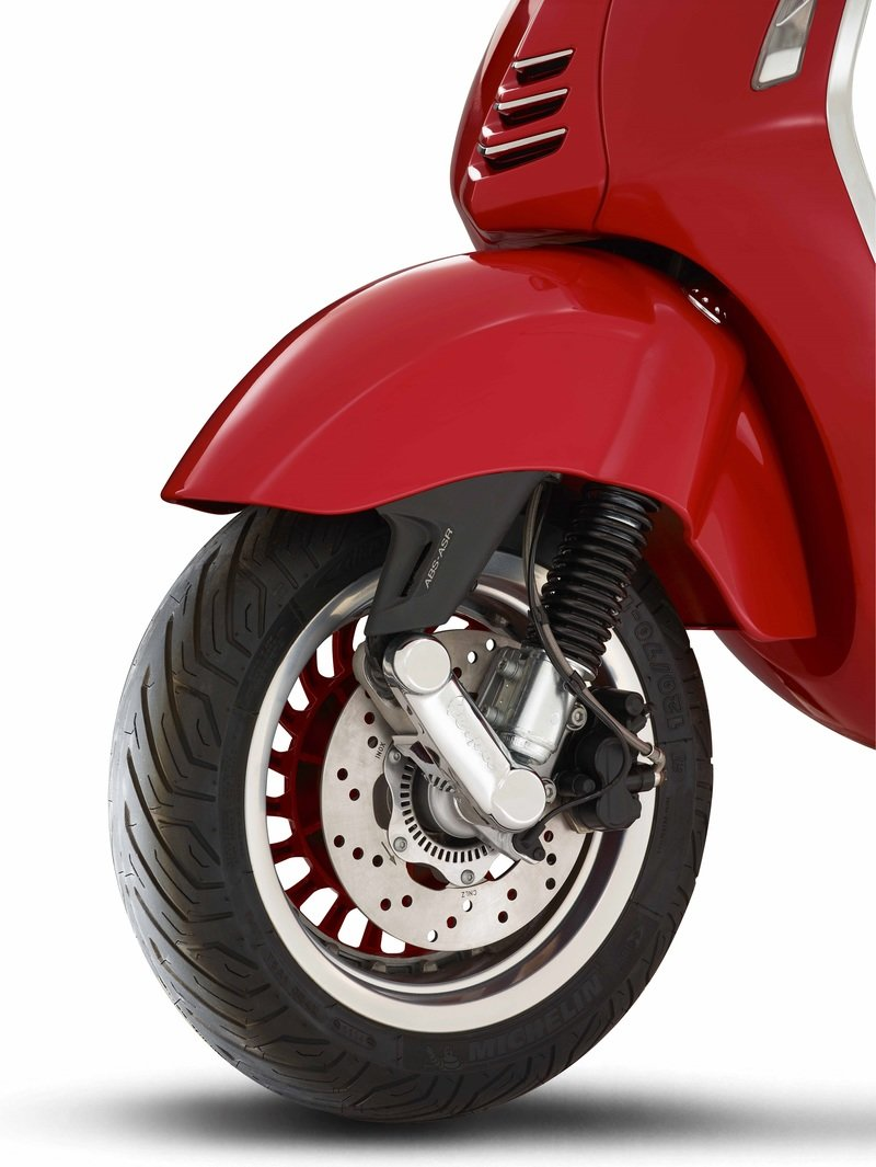 2016 - 2018 (Vespa 946) RED Exterior High Resolution - image 737064