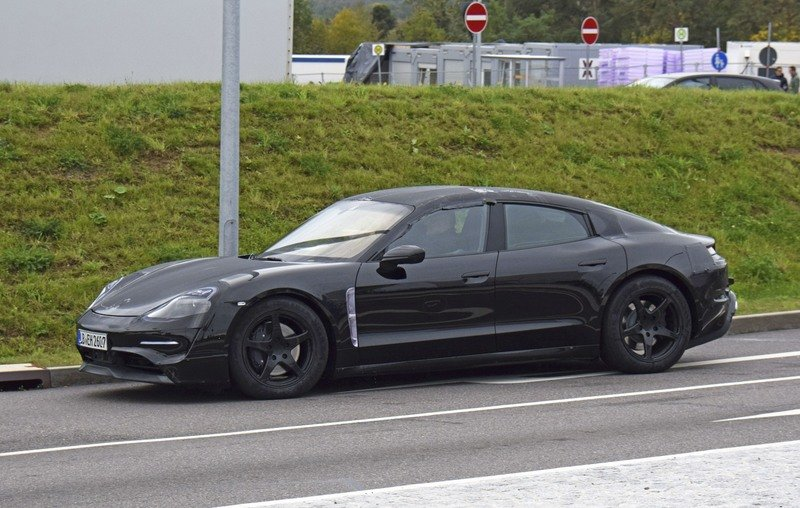The Porsche Taycan Will be Priced to Compete with the Tesla Model S - At Least in Base Form Spyshots Exterior - image 736110