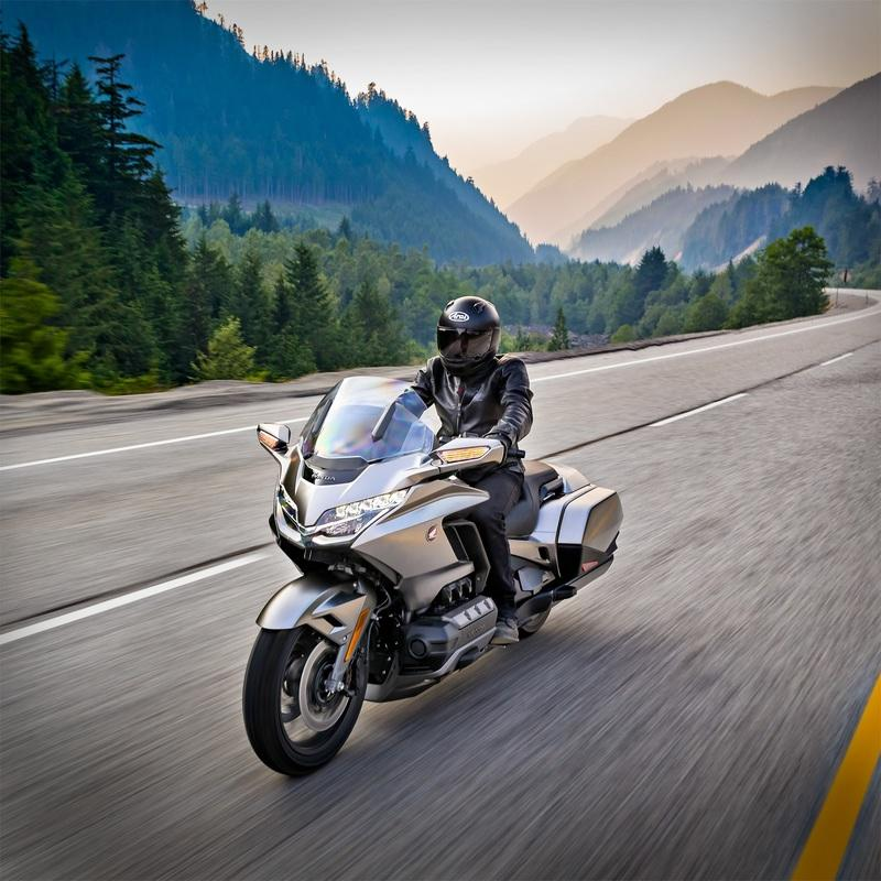 Say hello to the ultimate Japanese luxury tourer, the 2018 Honda Gold Wing. Exterior - image 740471