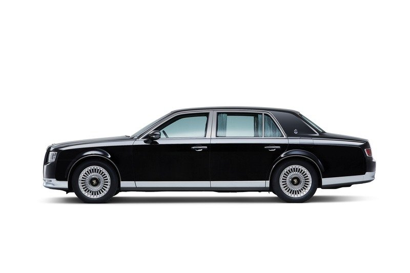 Crown Prince Naruhito is Ascending to the Japanese Throne, But His Prized Display Vehicle Won't Be a Rolls-Royce Exterior - image 736631
