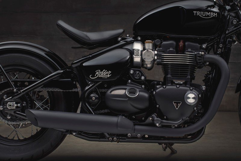 Triumph has revealed the menacing new Bonneville Bobber Black High Resolution Exterior - image 736082