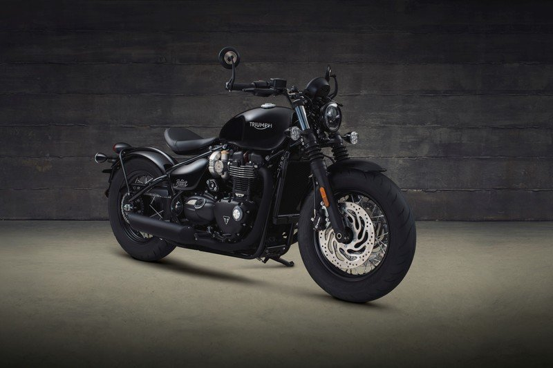 Triumph has revealed the menacing new Bonneville Bobber Black High Resolution Exterior Wallpaper quality - image 736053
