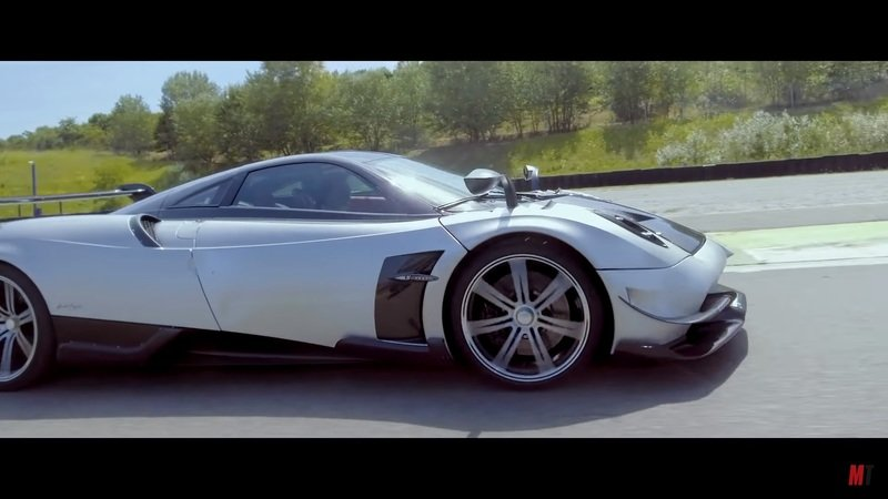 Watch the 2018 Pagani Huayra BC Blast Around A Racetrack