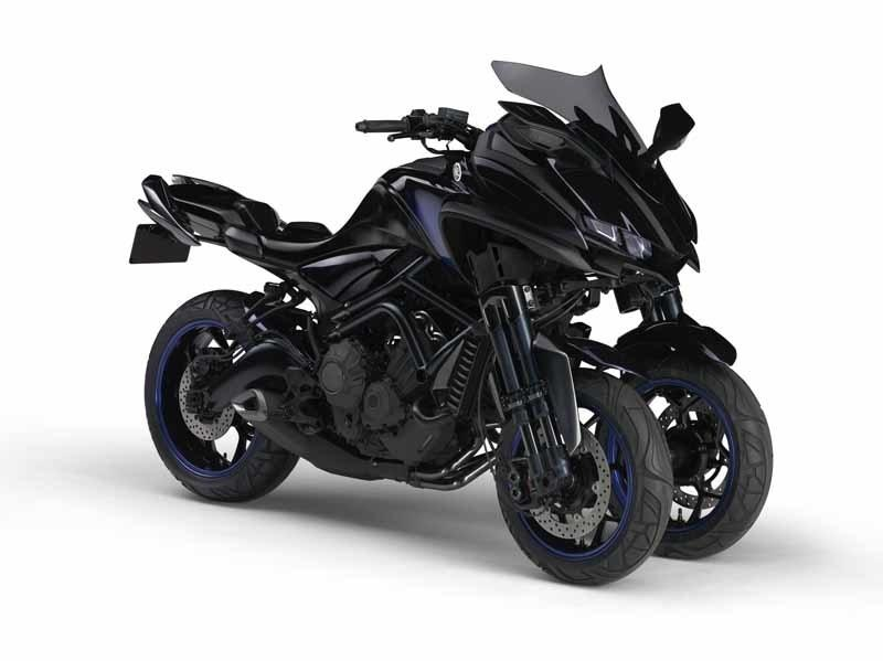 Yamaha is stepping up their game with the production ready 2018 Niken.