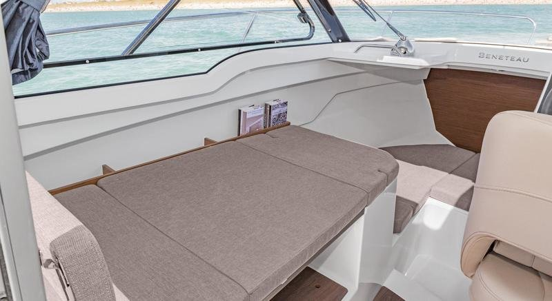 2017 Beneteau Antares 7 OB Interior High Resolution - image 745769
