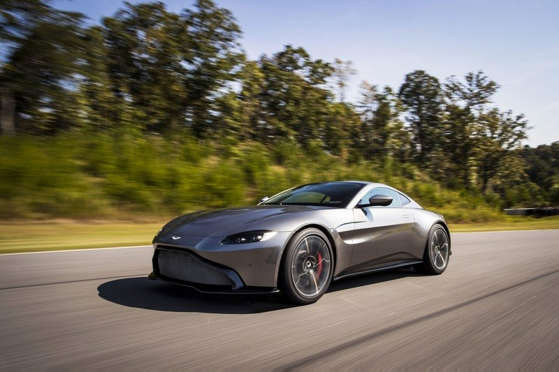 Wallpaper of the Day: 2018 Aston Martin Vantage in Deep Thought