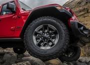 2018 Jeep Wrangler Sheds Some Weight; Gains Capability - image 748471