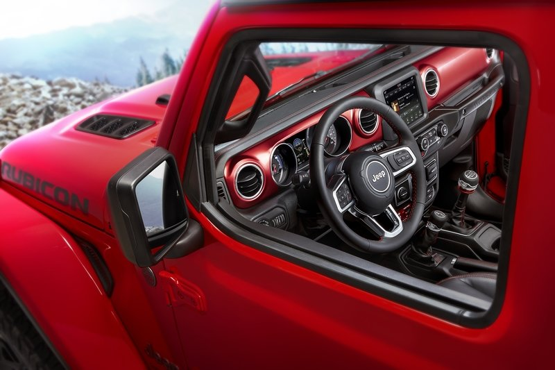Jeep Drops Official Images of 2018 Wrangler Interior Interior - image 743496