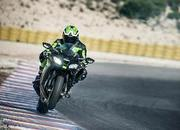 Kawasaki adds electronic suspension to its new member of the ZX-10R class - image 743894