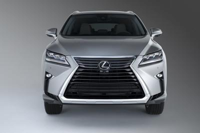 2018 Lexus RX L Offers Three Rows of Seating for 6 or 7 and Tri-Zone Climate Control - image 748241