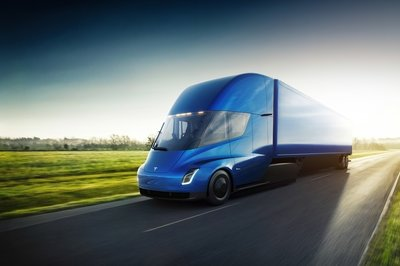 Tesla's Electric Semi Could Run up to 621 Miles Between Charges