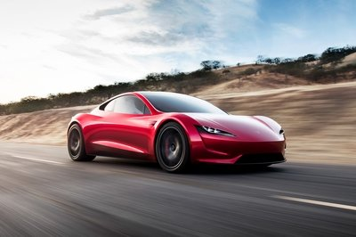 Quick Comparo: Tesla Roadster - New vs. Old - image 746104