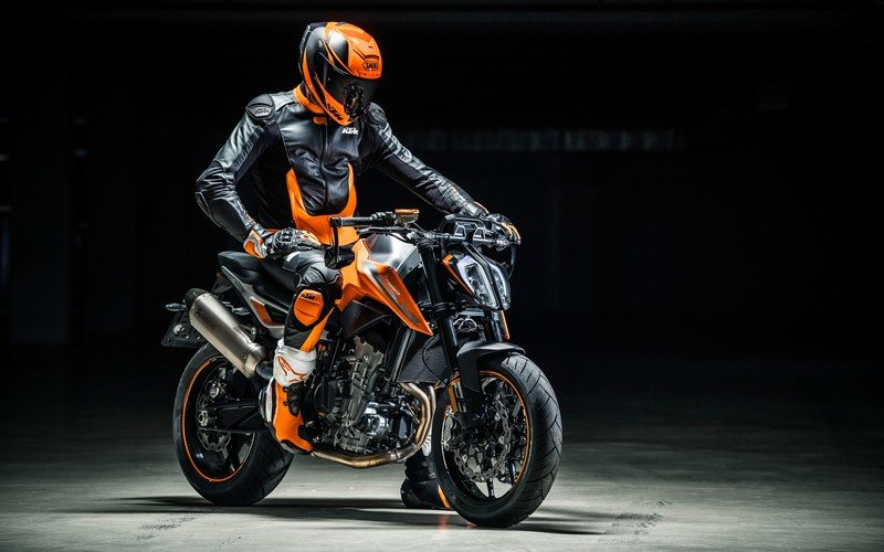 KTM is punching out a new Duke 790 streetfighter
