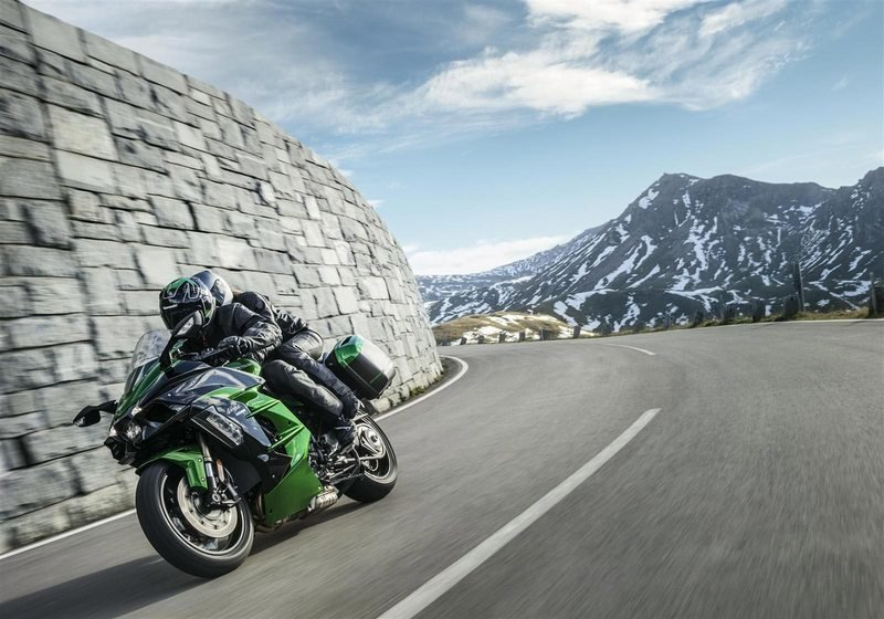 After the mighty Ninja H2 and H2R, Kawasaki brings in the 207 hp H2 SX to the table