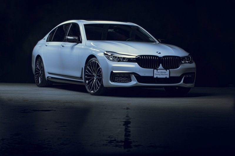 2018 BMW 740e with M Performance Parts