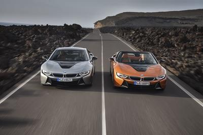 "BMW Debuts ""New"" i8 Coupe and the First i8 Roadster - image 748126"
