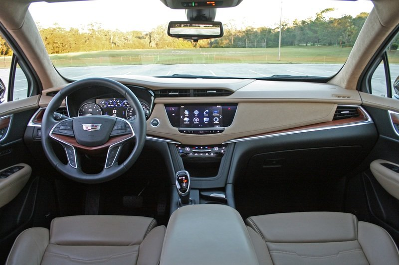 Cadillac Fixed CUE For The XT5 Interior - image 742589
