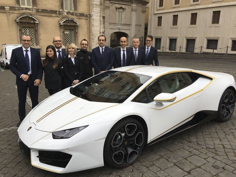 Prepare to Spend Big if You Want to Own Pope Francis' One-Off Lamborghini Huracan