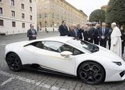 Craziest Thing This Week: The Pope Blesses a Lamborghini Huracan - image 745574