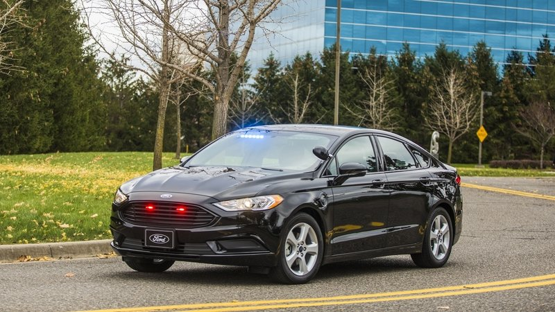 Ford Delivers Hybrid Police Car To The Boys In Blue