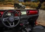 Jeep Drops Official Images of 2018 Wrangler Interior - image 743592