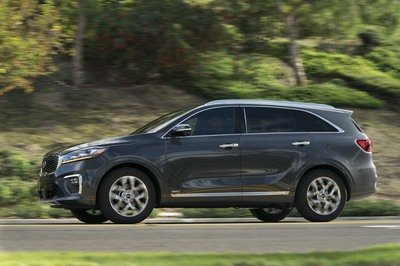 Updated Kia Sorento Unveiled in L.A. with New Features; Diesel Engine Confirmed - image 748798
