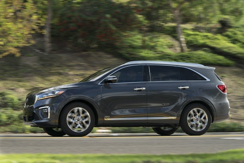 Updated Kia Sorento Unveiled in L.A. with New Features; Diesel Engine Confirmed