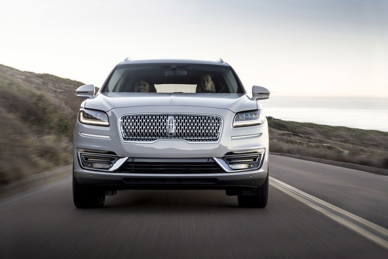 Lincoln Updates MKX at L.A. Auto Show, Renames it Nautilus
