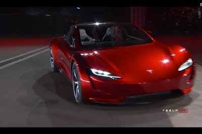 Quick Comparo: Tesla Roadster - New vs. Old - image 745804
