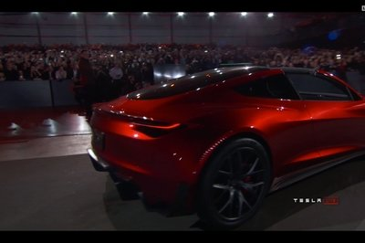 Quick Comparo: Tesla Roadster - New vs. Old - image 745806