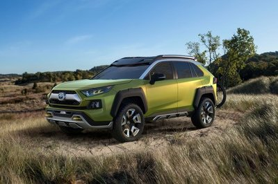 Toyota FT-AC Concept Previews Hybrid SUV in Los Angeles - image 748695