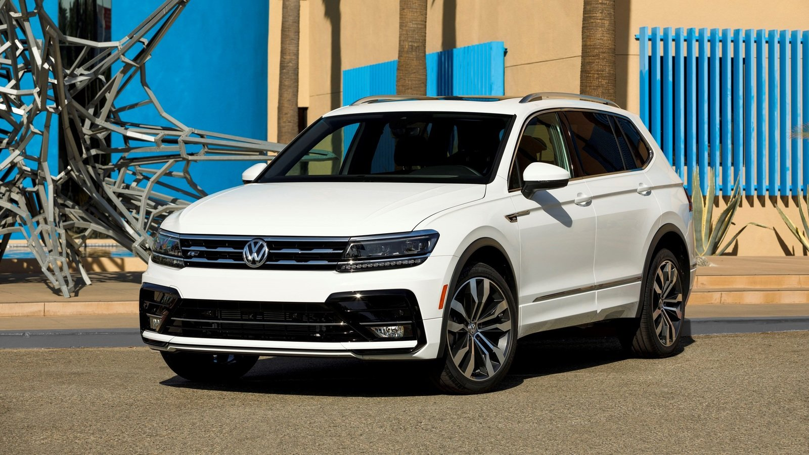 2018 volkswagen tiguan r line review top speed. Black Bedroom Furniture Sets. Home Design Ideas
