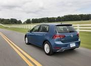 Visual Comparison: 2019 Kia Ceed vs 2018 Volkswagen Golf - image 744063