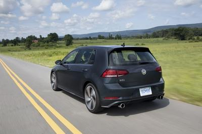2018 Volkswagen Golf Facelift launched in the U.S. - image 744078