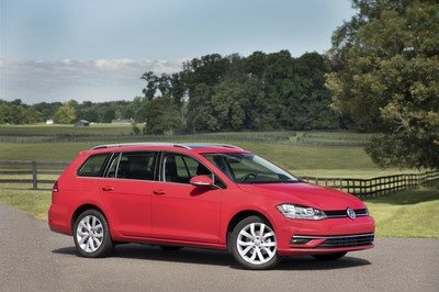 2018 Volkswagen Golf Facelift launched in the U.S. - image 744050