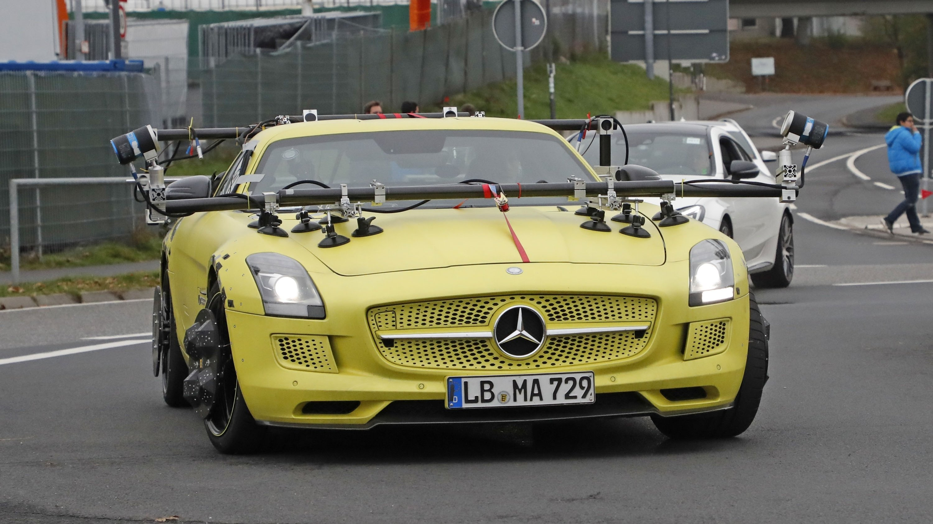 a6dec5e01208d Remember the atrociously green electric Mercedes-AMG SLS unveiled back in  2011