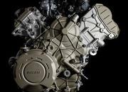 What is all that hype about the new Desmosedici Stradale V4 engine? - image 742822