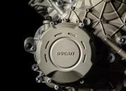 What is all that hype about the new Desmosedici Stradale V4 engine? - image 742797
