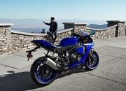 Yamaha begins online booking of 2018 YZF-R1M - image 745983
