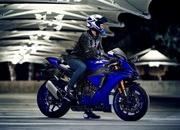Yamaha begins online booking of 2018 YZF-R1M - image 745986