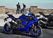 Yamaha begins online booking of 2018 YZF-R1M - image 745990