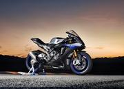 Yamaha begins online booking of 2018 YZF-R1M - image 746001