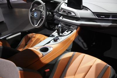 2019 BMW i8 Roadster - image 749488