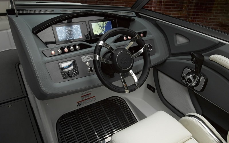 2018 Cobalt R5 Interior High Resolution - image 754561