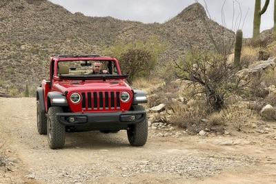 Driving the 2018 Jeep Wrangler JL - image 751501