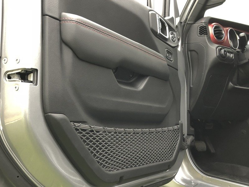 A Detailed Look At the 2018 Jeep Wrangler's Dashboard Interior - image 751544