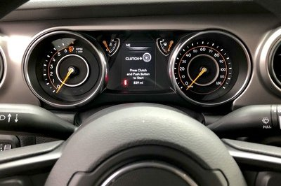 A Detailed Look At the 2018 Jeep Wrangler's Dashboard - image 751620