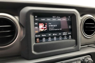 The 2018 Jeep Wrangler's Three Infotainment Systems - image 751637